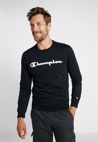 Champion - CREWNECK  - Sweatshirt - black - 0