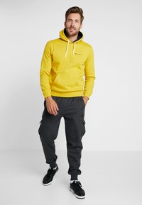 Champion - HOODED - Hoodie - mustard yellow - 1