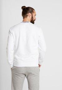 Champion - CREWNECK - Sweatshirt - white - 2