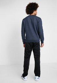 Champion - CREWNECK - Sweater - navy melange - 2