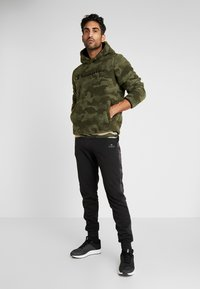 Champion - HOODED - Bluza z kapturem - olive - 1