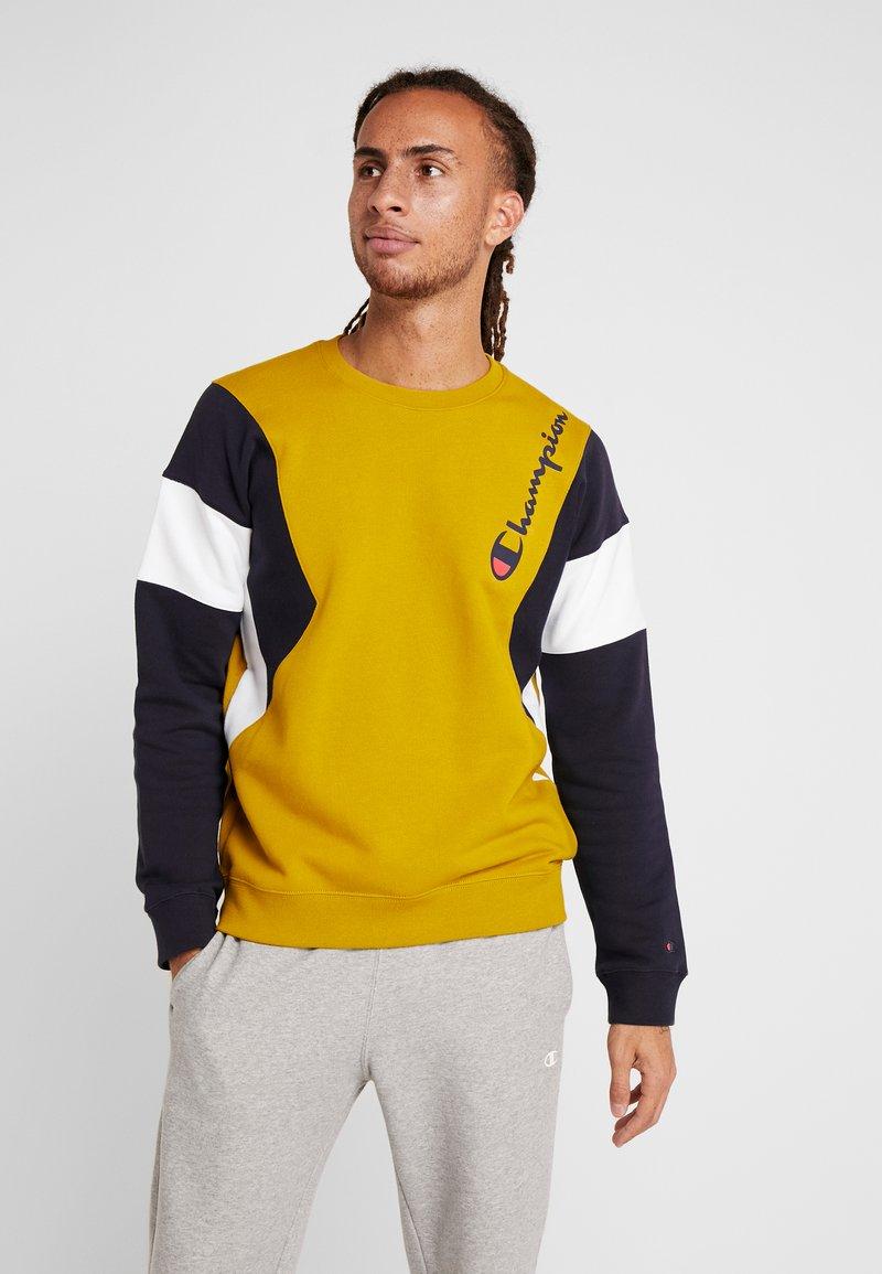 Champion - CREWNECK  - Sweatshirt - dark yellow