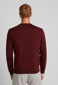 Champion - CREWNECK - Sweatshirt - dark red - 2