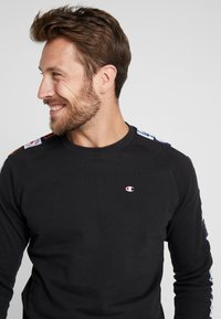 Champion - MLB MULTITEAM CREWNECK  - Sweater - black - 4
