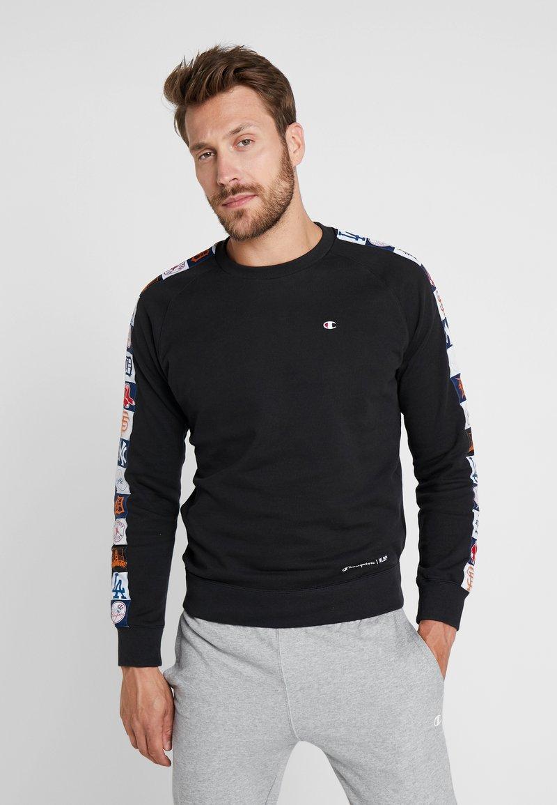 Champion - MLB MULTITEAM CREWNECK  - Sweatshirt - black