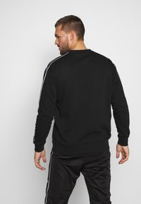 Champion - TAPE CREWNECK - Collegepaita - black - 2