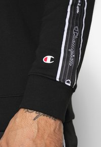 Champion - TAPE CREWNECK - Collegepaita - black - 5