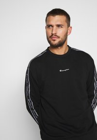 Champion - TAPE CREWNECK - Collegepaita - black - 3