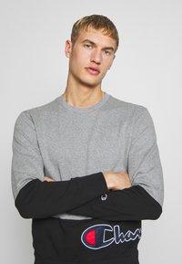 Champion - ROCHESTER CREWNECK BLOCK - Sweatshirt - grey melange/black - 3