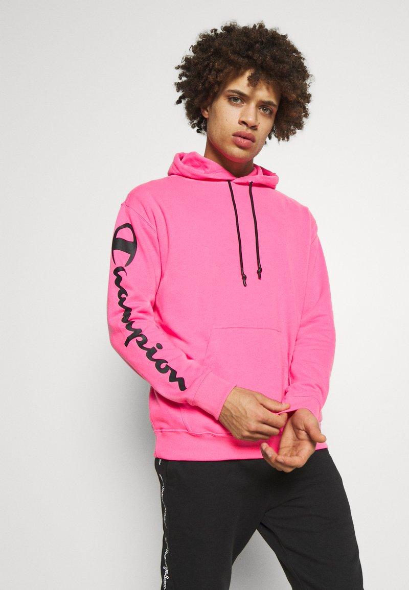 Champion - HOODED - Bluza z kapturem - pink