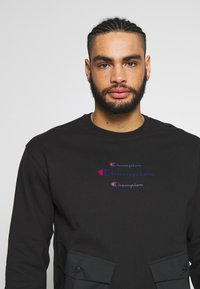 Champion - ROCHESTER WORKWEAR CREWNECK - Bluza - black - 3