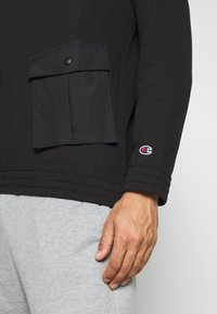 Champion - ROCHESTER WORKWEAR CREWNECK - Bluza - black - 5
