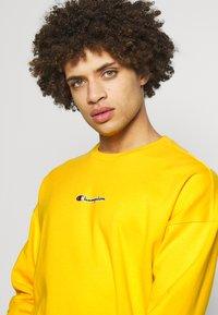 Champion - Sweatshirt - yellow - 3