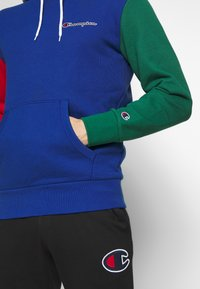 Champion - ROCHESTER TEAM HOODED - Bluza z kapturem - blue/red/green/grey melange - 5