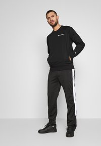 Champion - ELASTIC CREWNECK - Sweatshirt - black - 1