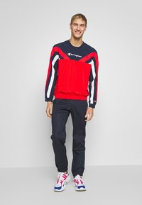 Champion - ROCHESTER ATHLEISURE - Sweatshirt - red/blue/wht - 1