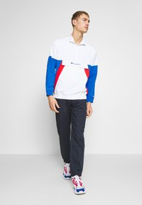 Champion - 90S BLOCK HALF ZIP - Träningsjacka - white/blue/red
