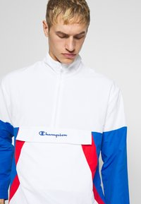 Champion - 90S BLOCK HALF ZIP - Kurtka sportowa - white/blue/red - 3