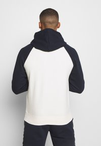 Champion - LEGACY COLOR HOODED - Hoodie - off white/dark blue - 2