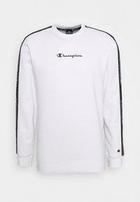 Champion - LEGACY TAPE CREWNECK - Sweatshirt - white - 4