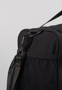 Champion - SMALL DUFFEL - Sportovní taška - black/white - 2
