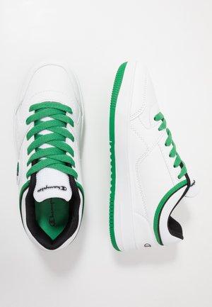 LOW CUT SHOE NEW REBOUND LOW  - Obuwie do koszykówki - white/green