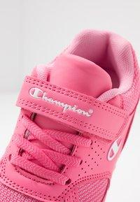 Champion - LOW CUT SHOE ERIN - Trainings-/Fitnessschuh - pink - 2
