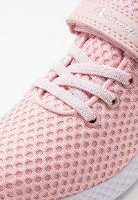 Champion - LEGACY LOW CUT SHOE SPRINT - Zapatillas de entrenamiento - soft pink - 2