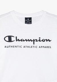 Champion - AMERICAN CLASSICS CREWNECK - Triko spotiskem - white - 3