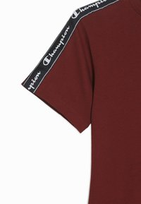 Champion - AMERICAN CLASSICS PIPING CREWNECK - Print T-shirt - bordeaux - 2