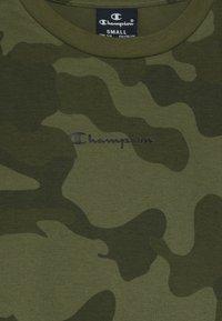 Champion - AMERICAN CLASSICS MAXI LOGO CREWNECK - T-shirt imprimé - khaki - 3