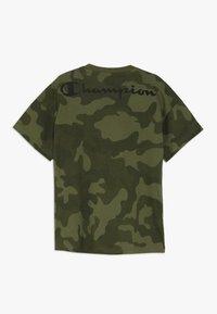 Champion - AMERICAN CLASSICS MAXI LOGO CREWNECK - T-shirt imprimé - khaki - 1