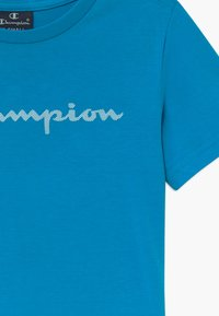 Champion - LEGACY AMERICAN CLASSICS CREWNECK - Print T-shirt - blue - 3