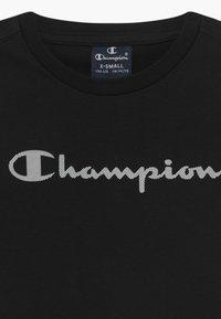 Champion - LEGACY AMERICAN CLASSICS CREWNECK - T-shirt med print - black - 3