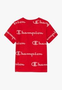 Champion - LEGACY AMERICAN CLASSICS CREWNECK  - Print T-shirt - red - 1