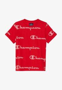 Champion - LEGACY AMERICAN CLASSICS CREWNECK  - T-shirt med print - red - 3