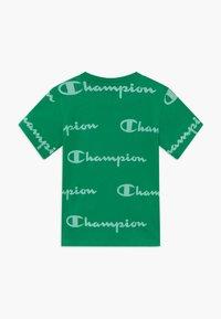 Champion - LEGACY AMERICAN CLASSICS CREWNECK  - Camiseta estampada - green - 1