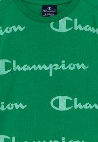 Champion - LEGACY AMERICAN CLASSICS CREWNECK  - Camiseta estampada - green - 3