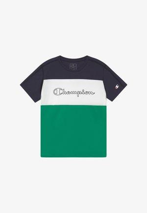 CHAMPION X ZALANDO PERFORMANCE - Triko spotiskem - green/dark blue/white