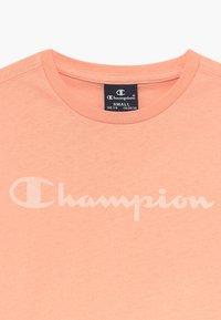 Champion - LEGACY AMERICAN CLASSICS - T-shirt z nadrukiem - light pink - 3