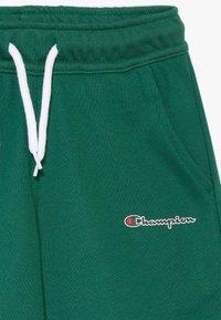 Champion - ROCHESTER TEAM BERMUDA - Krótkie spodenki sportowe - dark green - 2
