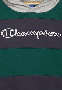 Champion - ROCHESTER VARSITY HOODED - Mikina skapucí - dark green/dark blue - 2