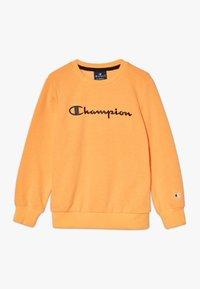 Champion - LEGACY AMERICAN CLASSICS FLUO CREWNECK  - Sudadera - orange - 0