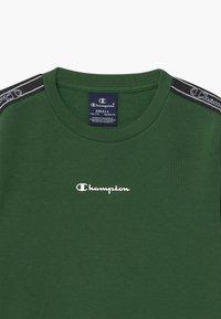 Champion - LEGACY AMERICAN TAPE CREWNECK - Sweatshirt - dark green - 3