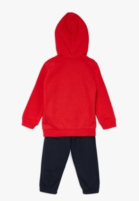 Champion - LEGACY AMERICAN CLASSICS HOODED FULL ZIP SUIT SET - Tracksuit - red/dark blue - 1