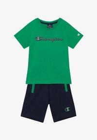 Champion - LEGACY GRAPHIC SHOP SET - Sportovní kraťasy - green/dark blue - 3