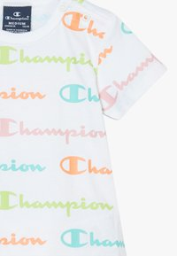 Champion - CHAMPION X ZALANDO TODDLER SUMMER SET - Sports shorts - white/multi-coloured/light pink - 3