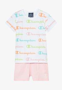 Champion - CHAMPION X ZALANDO TODDLER SUMMER SET - Sports shorts - white/multi-coloured/light pink - 4