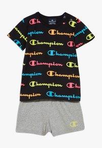 Champion - CHAMPION X ZALANDO TODDLER SUMMER SET - Short de sport - black/multi-coloured/mottled grey - 0