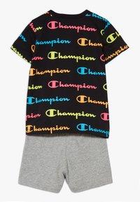 Champion - CHAMPION X ZALANDO TODDLER SUMMER SET - Short de sport - black/multi-coloured/mottled grey - 1